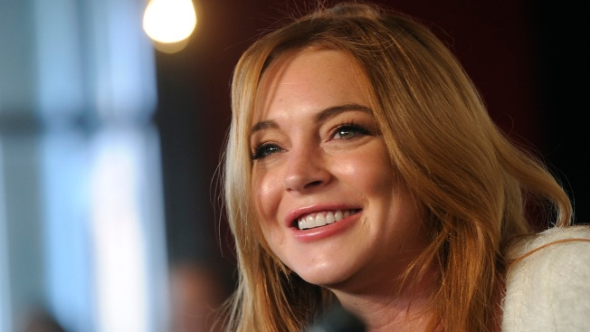 """Lindsay Lohan Plans to Move to London, Hates That She's Seen as a """"Celebrity"""" and Not an """"Actress"""""""