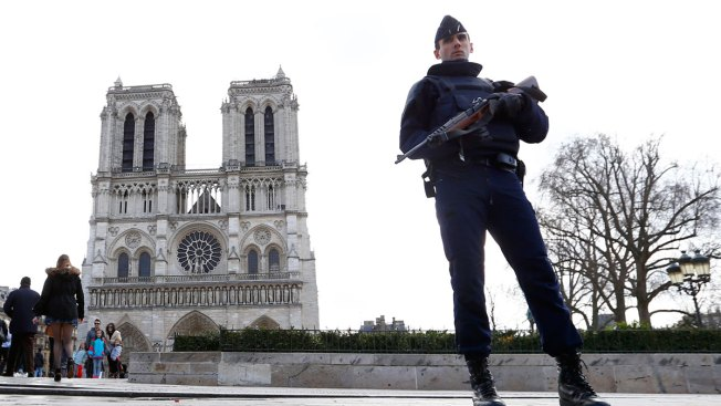 2 Detained After Gas Canisters Found Near Paris' Notre Dame