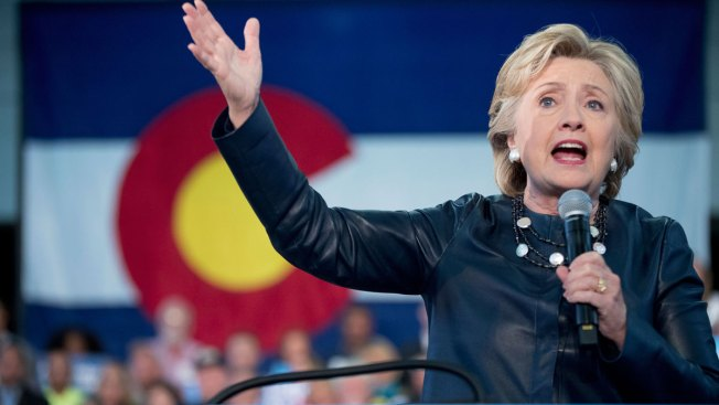 Clinton Challenges Trump-Supporting Republicans