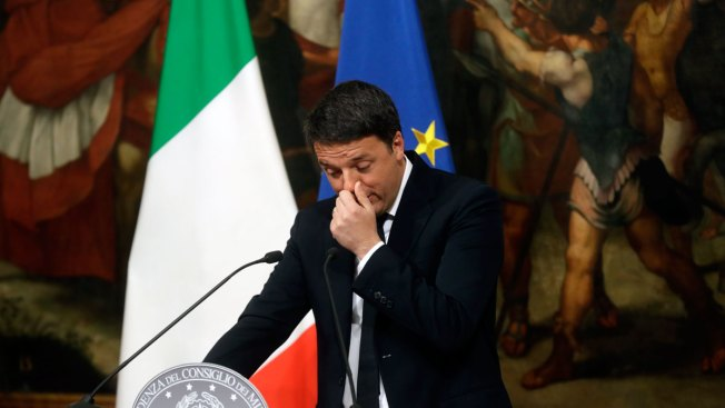 Italian PM Quits; Populists Seek Quick Vote to Win Power