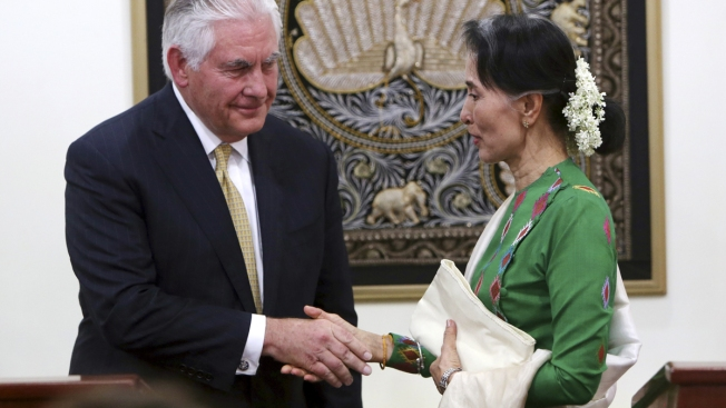 Tillerson: US Considering Individual Sanctions for Violence Against Rohingya Minority in Myanmar