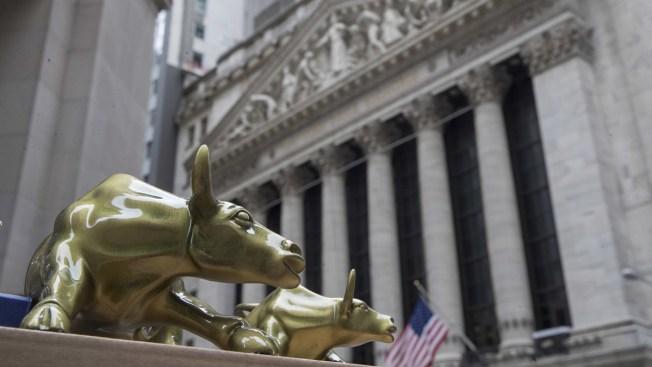 US Stock Market's Bull Run Poised to Set Record for Longest Winning Streak