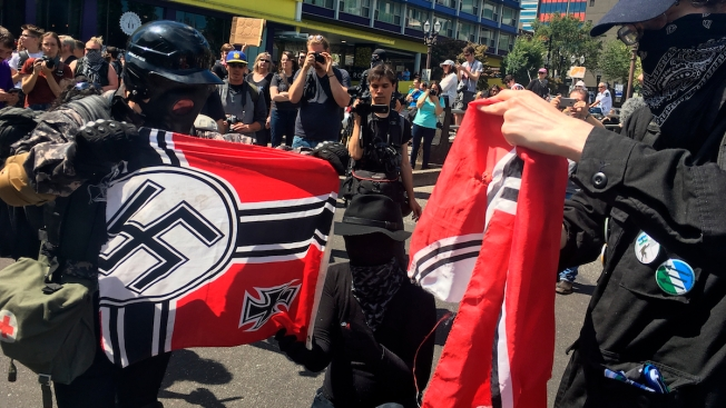 Oregon Official: Texts Show Police Colluded With Right-Wing Extremists