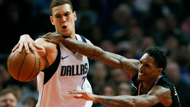 Harrell Dunks Clippers Past Mavericks