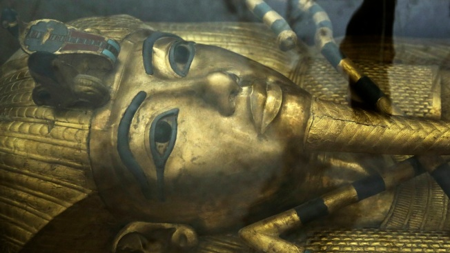 Experts Optimistic King Tut's Tomb May Conceal Egypt's Lost Queen