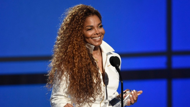 Janet Jackson Postpones 'Unbreakable' Tour, Citing Surgery