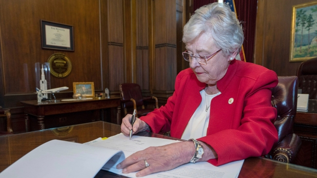 Alabama Women Worried New Law Means an Immediate End to Abortion Flood Clinics With Calls