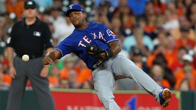 Beltre Exits With Injury in Rangers Loss to Astros