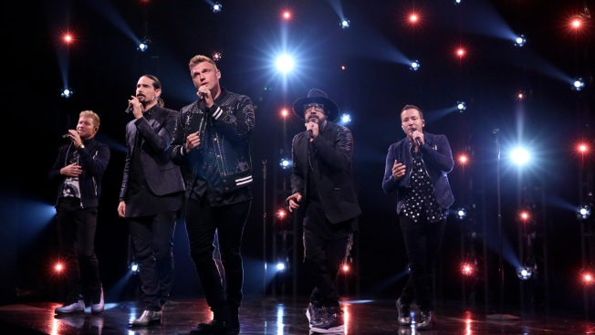 Fans injured as structure collapses outside backstreet boys concert fans injured in severe weather outside backstreet boys show m4hsunfo