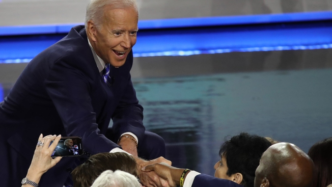 Dem Front-Runner Biden Trails Buttigieg in Fundraising Total