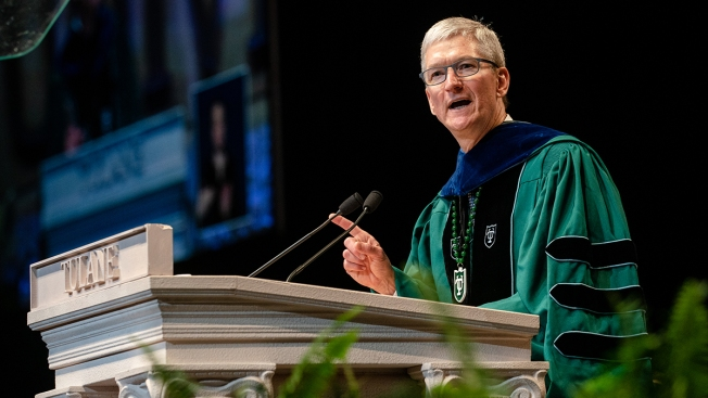 Apple CEO Tim Cook to the Class of 2019: 'My Generation Has Failed You'