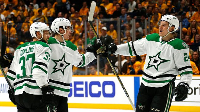 Rookie Heiskanen Leads Stars Over Predators
