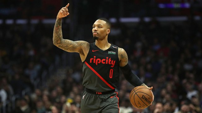 Lillard Scores 33, Trail Blazers Top Mavericks in OT