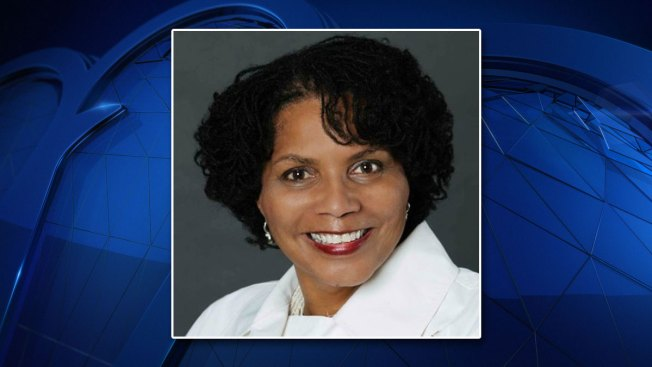 Deborah Peoples Expected to Challenge Fort Worth Mayor Betsy Price