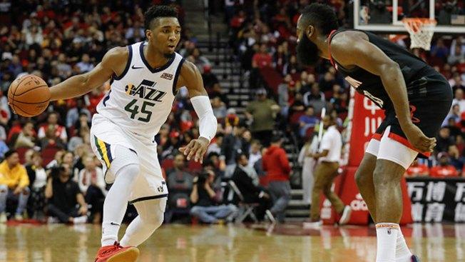 Jazz Pull Away From Mavericks for 125-109 Victory