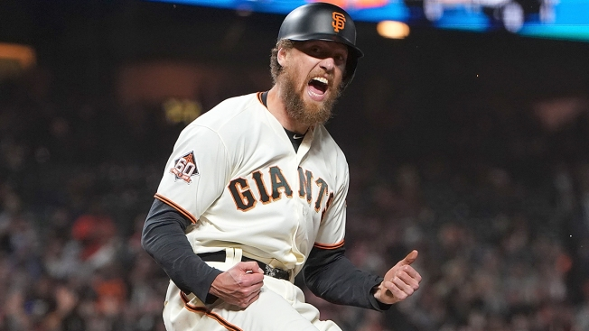 Hunter Pence Agrees to Minor League Deal With Hometown Rangers