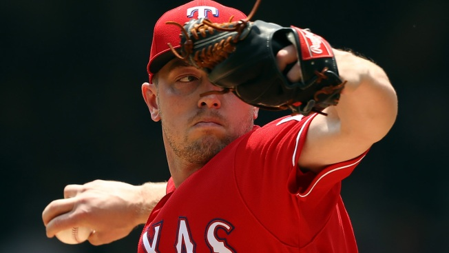 Rangers Complete 3-Game Sweep of Mariners With 2-1 Win