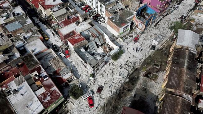 [NATL] Freak Hailstorm Dumps Over 4 Feet of Ice on Guadalajara, Mexico