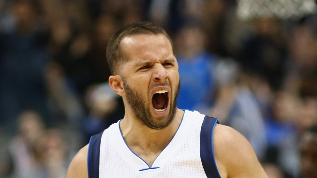 Barea, Mavs End Another Raptors 6-Game Streak With Win