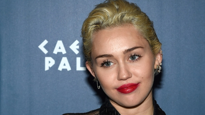 Miley Cyrus to Host MTV Video Music Awards