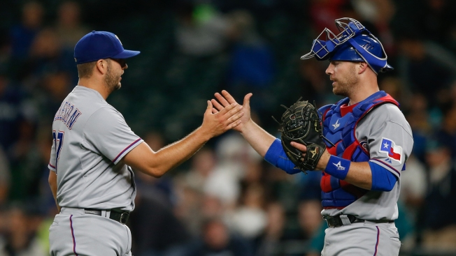 Rangers Beat Mariners 9-6, Trim AL West Deficit