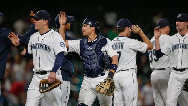 Rangers Held to 1 Hit, Lose Ground with 6-0 Loss to Mariners