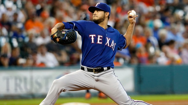 Rangers Lose 4-2 to Astros; AL West Lead Cut to 2 1/2 Games