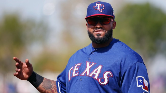 Fielder Blasts 3-Run Homer in Rangers' Victory