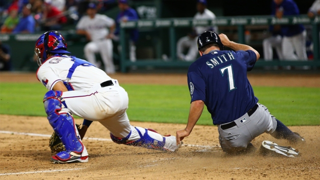 Managers Get Heated in Rangers' 10-2 Loss to Mariners