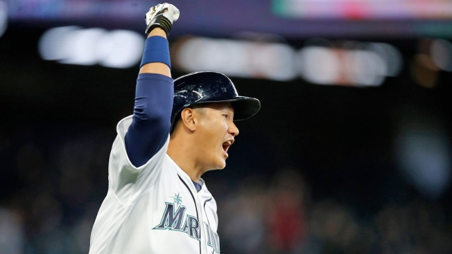Lee's Pinch-Hit Homer in 10th Lifts Mariners Over Rangers 4-2