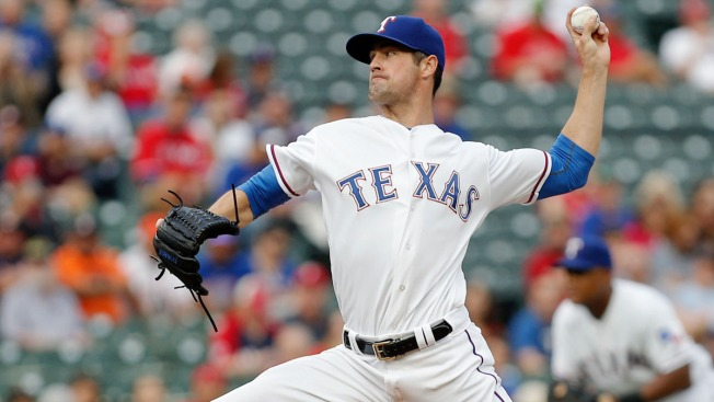 Hamels Sees Streak Come to End