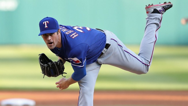 Pitching Clinic By Hamels In Rangers Win