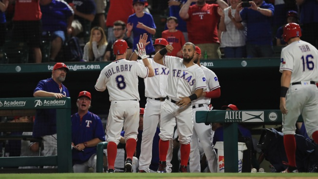 Rua's Homer Caps 7-Run Rally, Rangers Beat White Sox 13-11