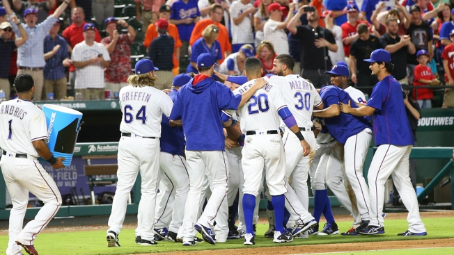 Rangers Beat Houston Again, Continue to Roll
