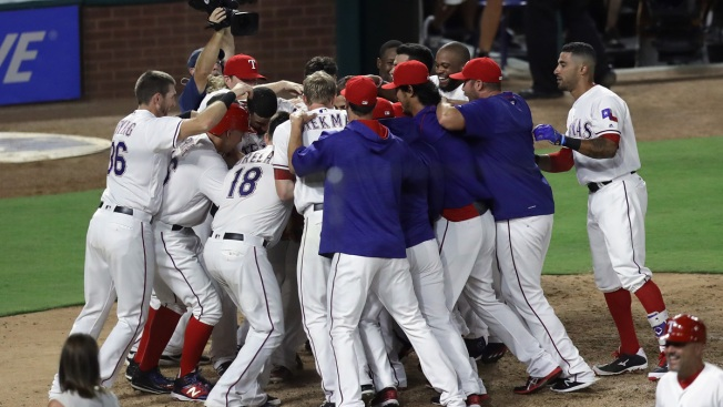 Walk-Off Homer from Beltre Lifts Rangers Over A's