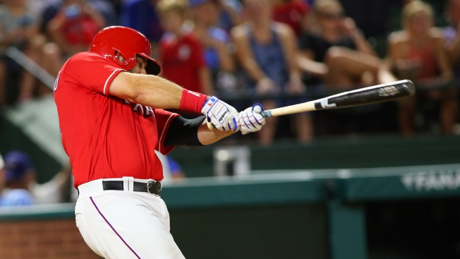 Moreland's Walk-Off HR Gives Rangers 2-1 Win Over Royals