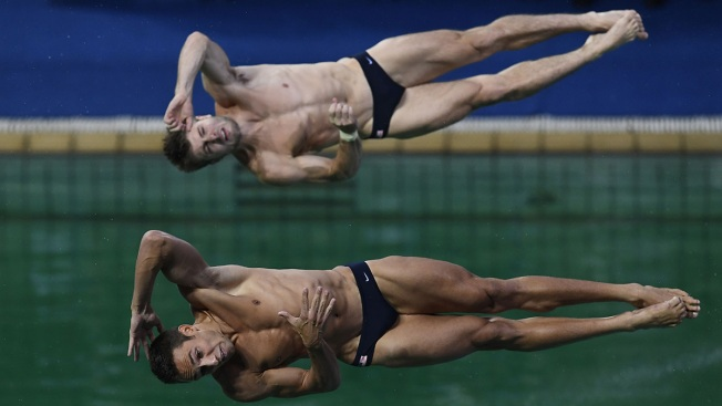 US Duo Takes Silver in Men's 3-Meter Synchronized Diving