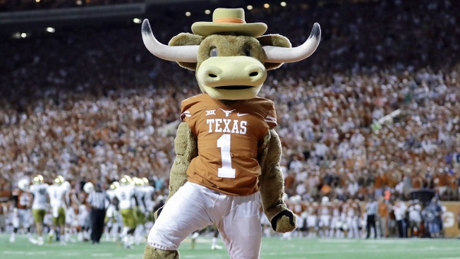 """Signing Day: New Texas Coach Tom Herman Signs """"Transitional"""" Class of Recruits"""