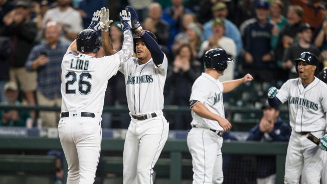 Adam Lind's 2 Home Runs lead Seattle Past Texas 8-3