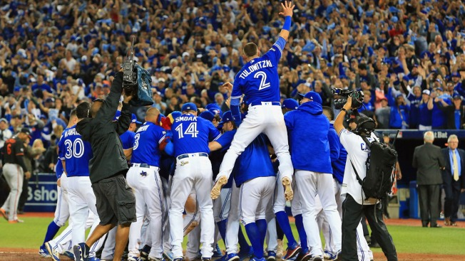 Encarnacion's 11th-Inning HR Lifts Jays Over O's, into ALDS