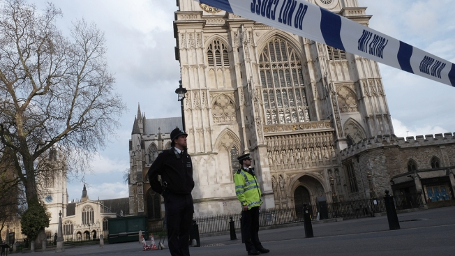 Man with knife arrested near UK Parliament