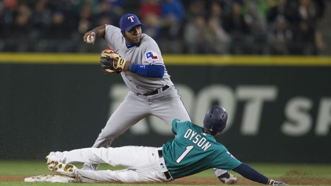 Hernandez's Strong Outing Lifts Mariners Past Rangers