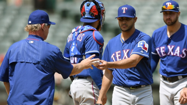 Perez Leads Rangers Over Mets 5-1 for 2-Game Split