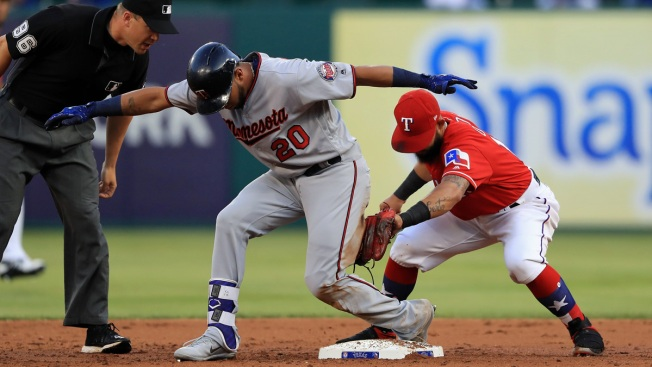 Santana, Seven-Run Fifth Inning Lead Twins Over Rangers 8-1