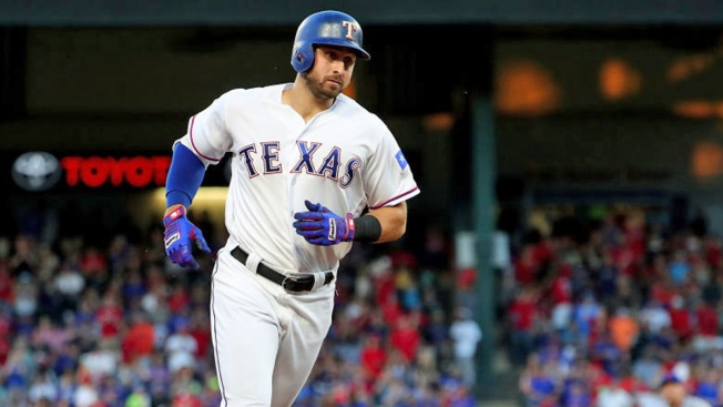 Gallo's 17th Homer Puts Rangers Ahead in 10-8 Win Over Mets