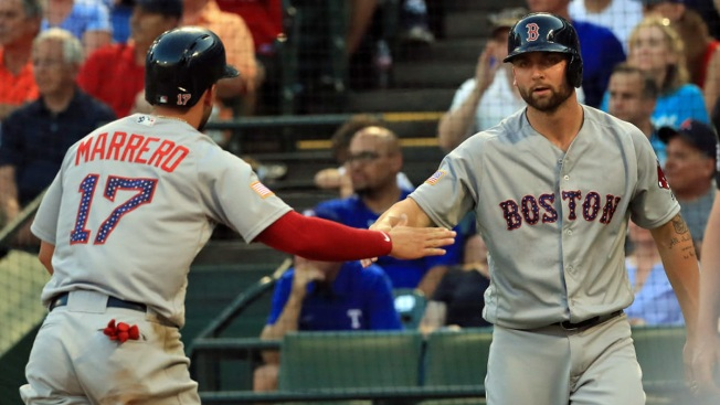 Red Sox Score 2 in 11th for 5th Straight Win, 7-5 at Texas