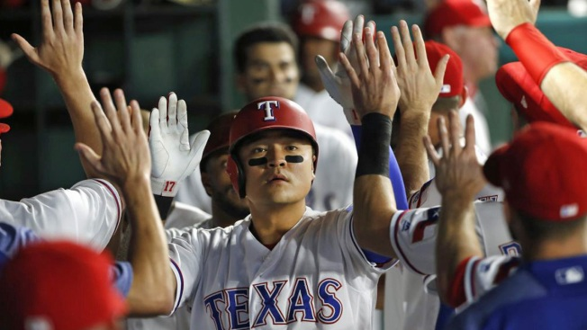 Perez Wins 7th in a Row; Rangers Rally to Beat Yankees 11-5