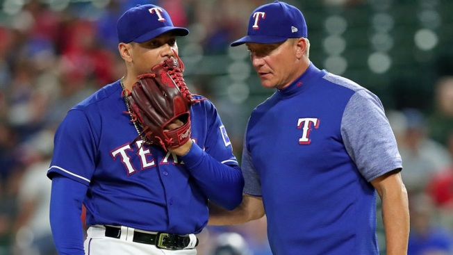 Rangers pitching falters in 10-4 loss to Mariners