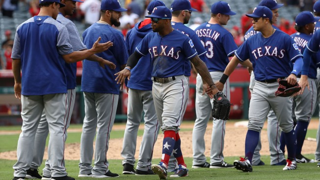 Gallo Blast Helps Rangers to Win Over Angels