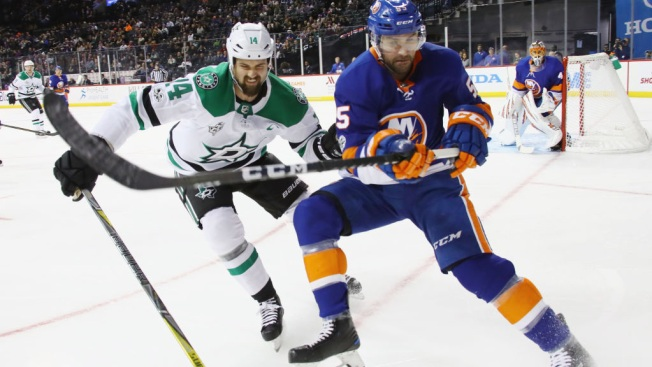 Benn Has a Goal, 2 Assists to Lead Stars Past Islanders